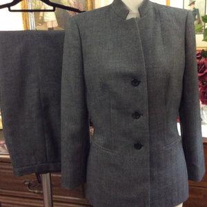 Kasper Shadow Gray Herringbone Tweed Pantsuit Suit